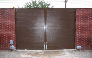 Установка и монтаж распашных ворот