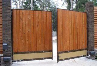 Фото процесса производства Деревянные распашные ворота в Москве